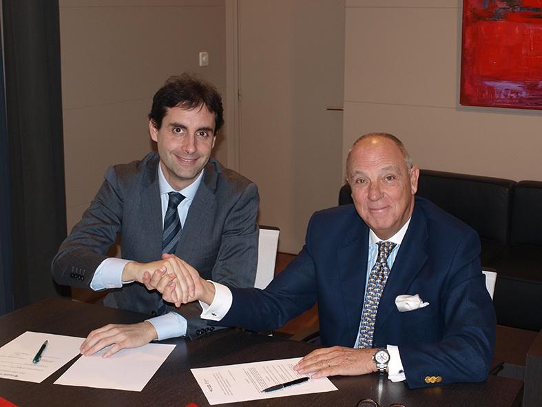 Firma Convenio Cámara Navarra y Caja Rural