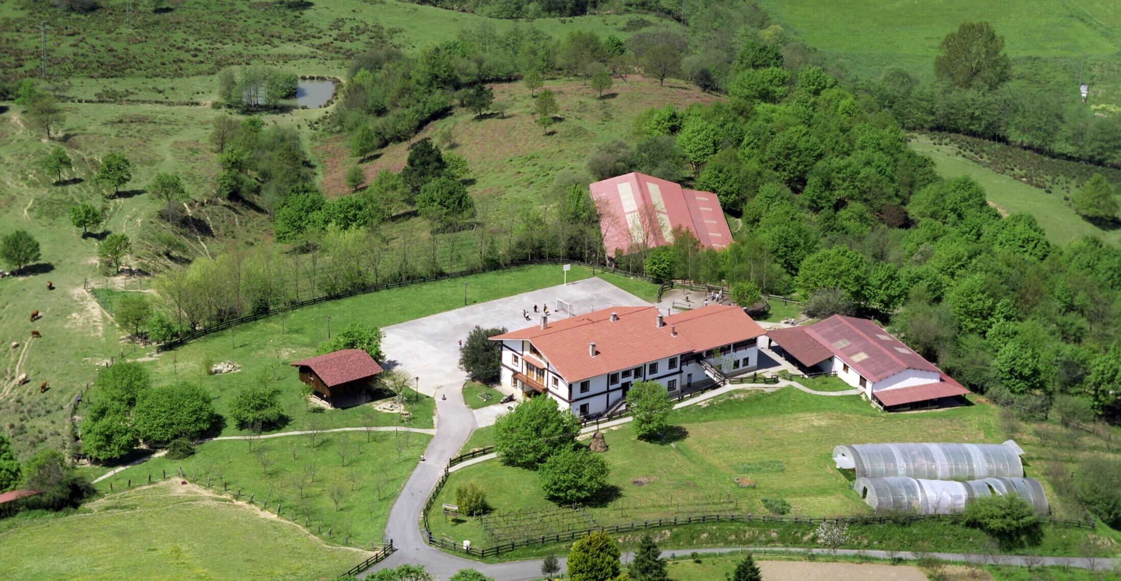 Colonias de verano blog de caja rural de navarra for Caja rural de navarra oficinas