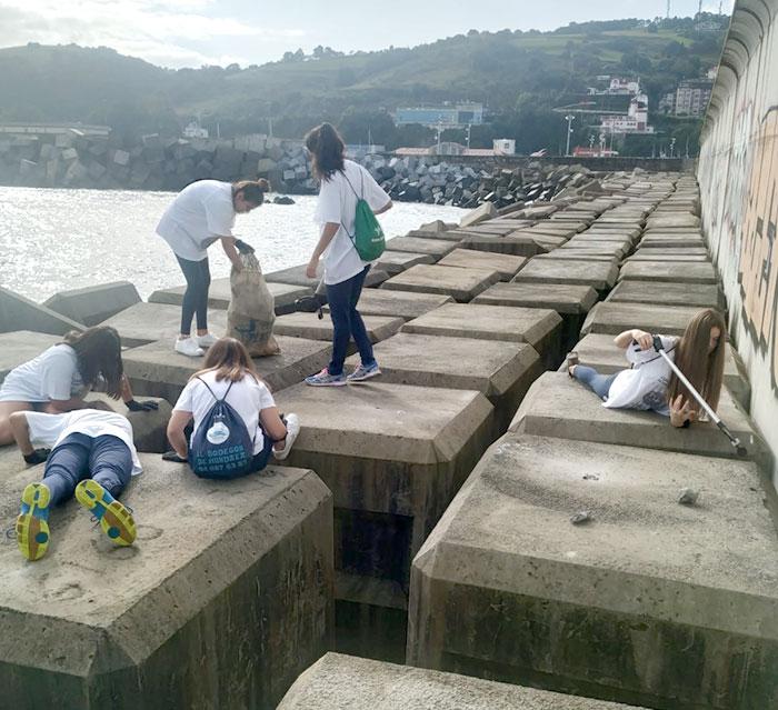 recogida-basura-puerto-bermeo